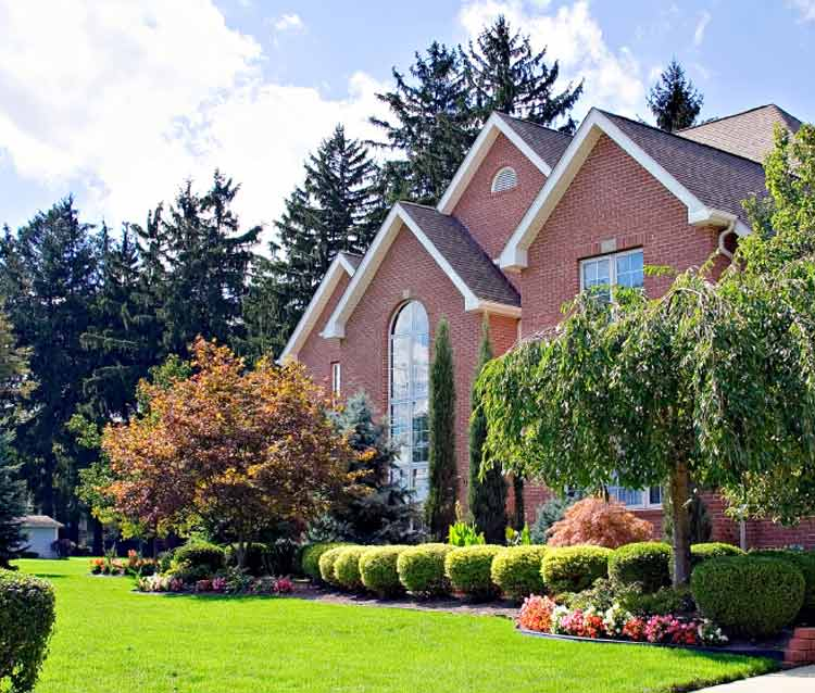 Home appearance with landscaping